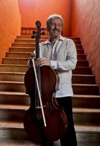 Mario Brunello, Chelista italiano, antes de su concierto en el Hotel Santa Clara. Cartagena de Indias. Archivo FNPI